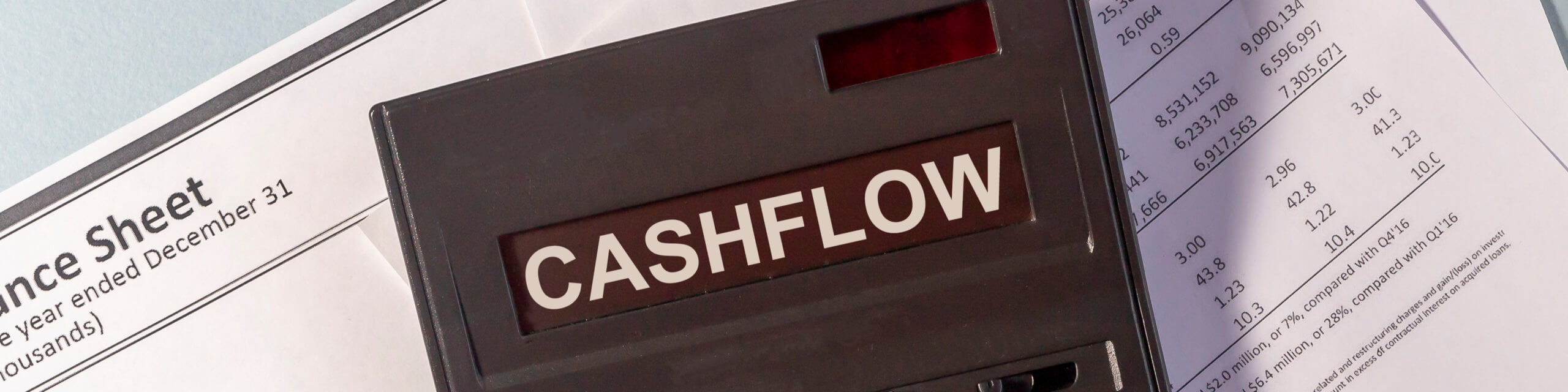 How Invoice Factoring Can Help Smooth Over Cash Flow Gaps
